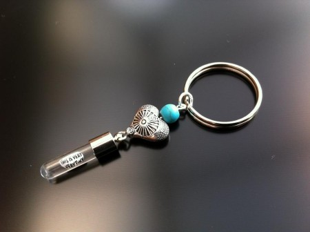 Rice Charm key ring - turquoise - antique heart