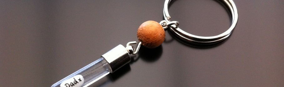 rice charm key ring with rose wood